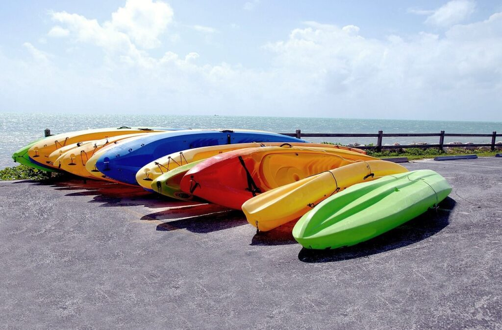 canoe vs kayak stability